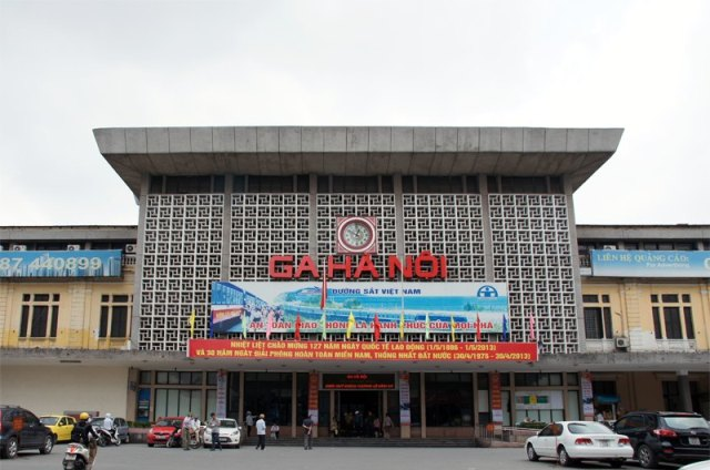 http://allviet.ru/images/transport/poezd/hanoi-train-station_1.jpg